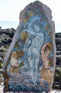 Sileno di Naxos in pietra lavica realizzato da Laura Talio per la trasmissione Mezzogiorno in famiglia