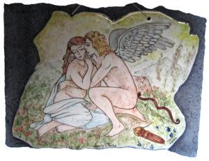 Mito di Amore e Psiche in pietra lavica di BluArte Giardini Naxos Taormina