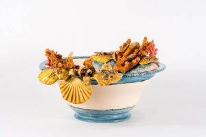 White and blue ceramic fruit bowl with shells and corals BluArte