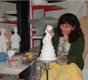 stefi 300x273 - Donne che creano donne in BluArte a Giardini Naxos